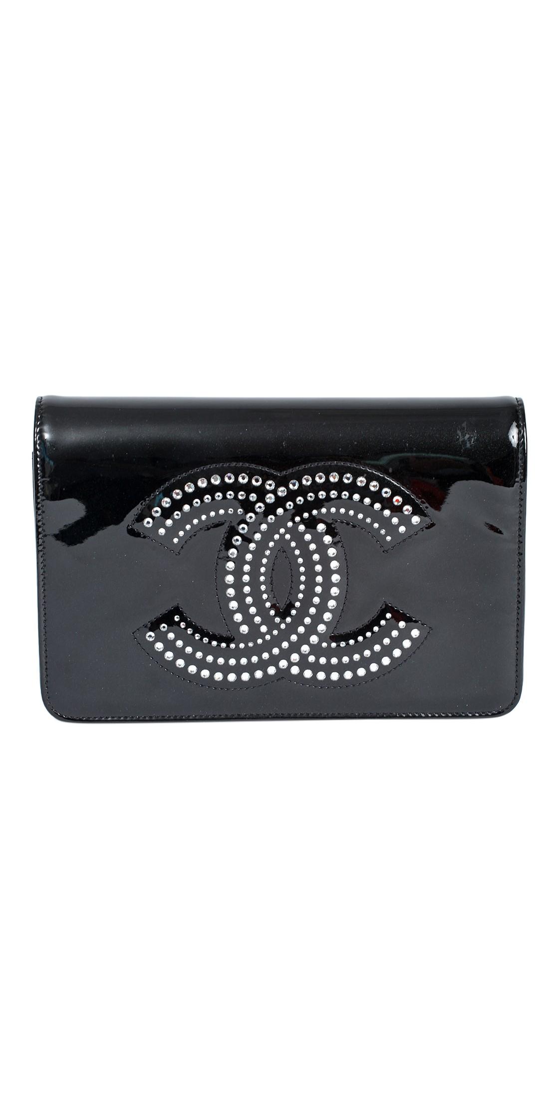 6df799cc49a9da Chanel Patent Leather Embellished Clutch   Clutch Rental  Dubai Rent a  Clutch - Designer-24.com [D24]